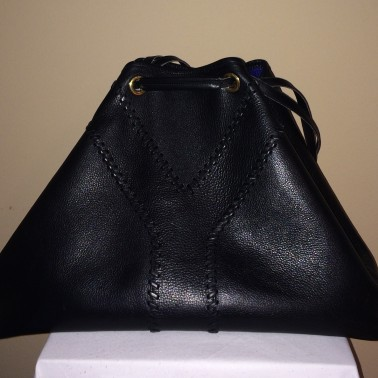 Yves Saint Laurent Black - front
